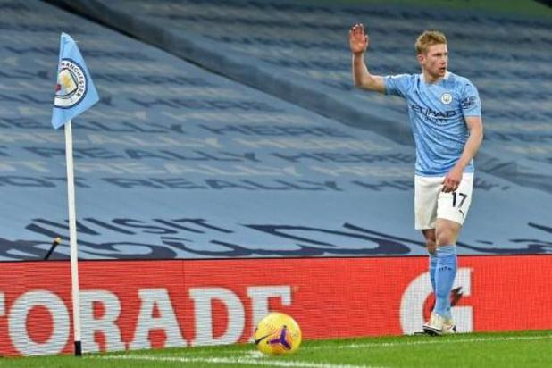 Belgen in het buitenland - Manchester City, dat De Bruyne ziet uitvallen, is leider na zege tegen Aston Villa