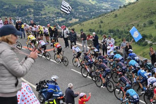 Tadej Pogacar gagne la 17e étape et écrase encore la Grande Boucle, le podium se dessine