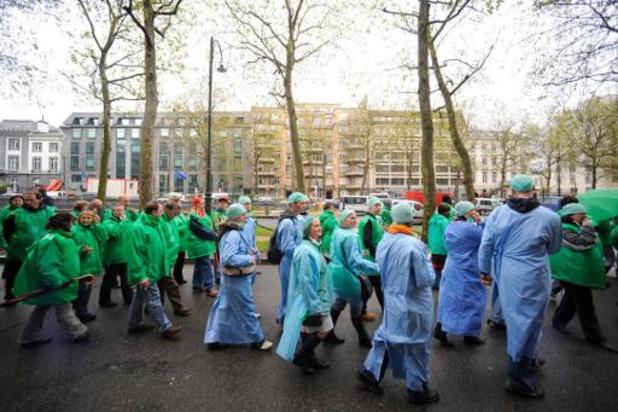 Les syndicats proposent au gouvernement de disposer du budget du fonds blouses blanches
