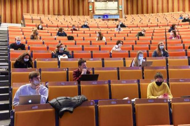 Hogescholen en universiteiten geven volgende week enkel online les