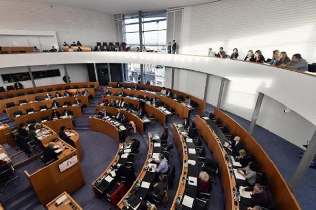 Le parlement bruxellois tient une première édition d'une assemblée jeunesse en son sein