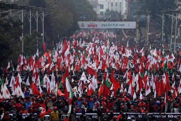 Tienduizenden betogen tegen ontbinding van parlement in Nepal