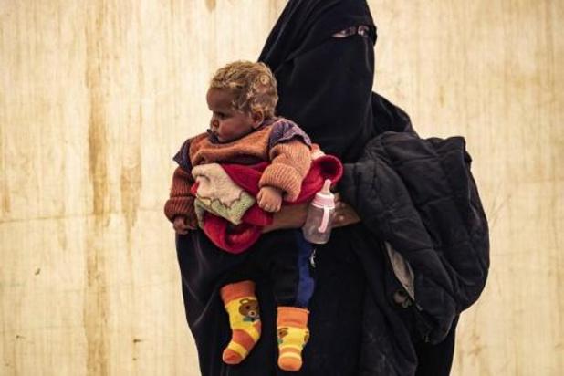 Moeders overgebracht naar gevangenis, kinderen naar ziekenhuis