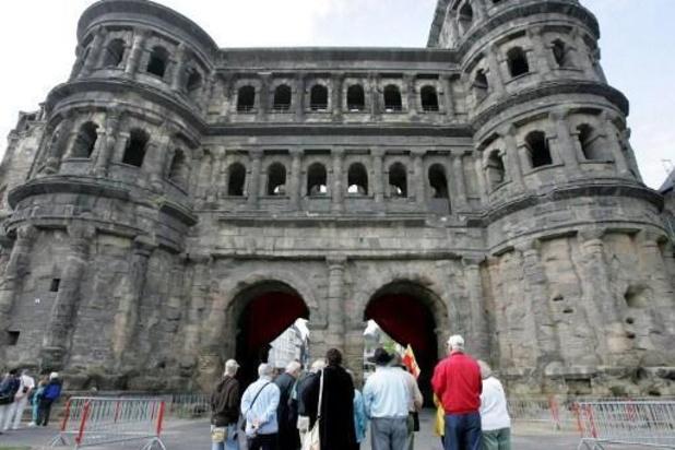 Voetgangers aangereden Trier - Auto rijdt in op voetgangers in Trier: twee doden