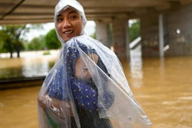 Meer dan 100 doden door noodweer in Vietnam