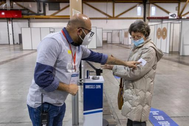 Norvège et Suède attendent avant de reprendre la vaccination