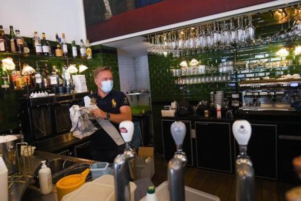 Des cafetiers bruxellois déboutés dans la première phase de leur action contre la Région