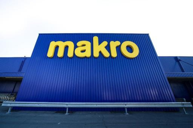 Staking in vier vestigingen van Makro