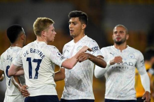 Belgen in het buitenland - Manchester City, met scorende De Bruyne, start seizoen met winst in Wolverhampton