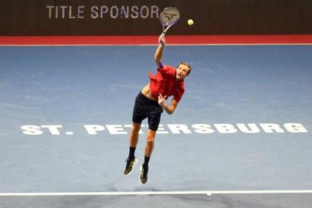Medvedev verslaat Coric in finale