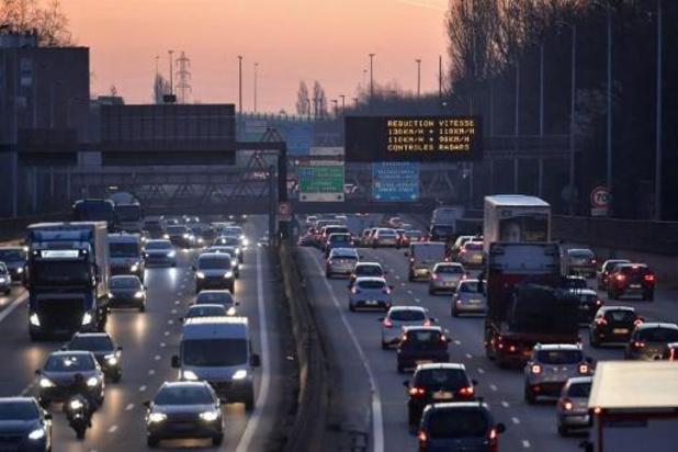 Verkeerschaos in omgeving Parijs door staking