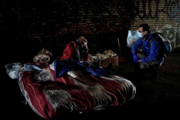 """Avondklok: """"attest van niet-huisvesting"""" voor daklozen in Brussel"""