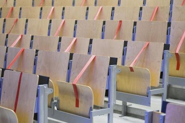 KU Leuven schakelt naar code rood voor alle onderwijsactiviteiten, VUB schakelt over op volledig digitaal onderwijs