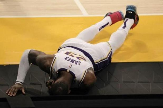 Les Lakers perdent le match et s'inquiètent pour LeBron James