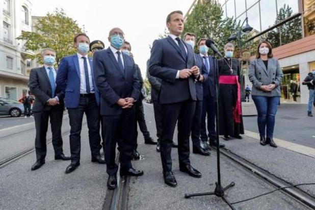 Macron kondigt 7.000 soldaten aan voor bescherming scholen en gebedshuizen