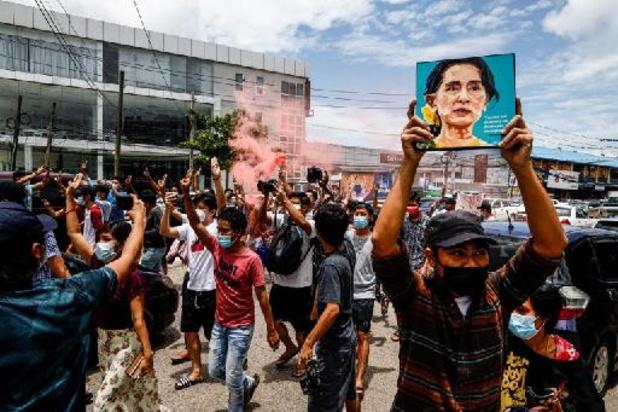 """Aung San Suu Ky jugée pour """"incitation aux troubles publics"""""""