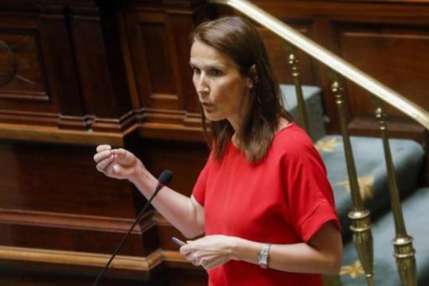 La question du port du masque continue à faire polémique au parlement
