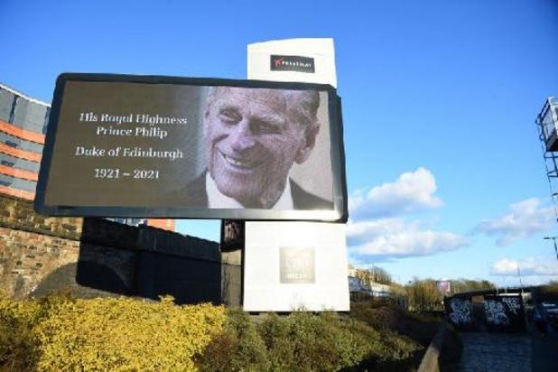 Britse prins Philip overleden - Britten eren prins Philip met 41 saluutschoten