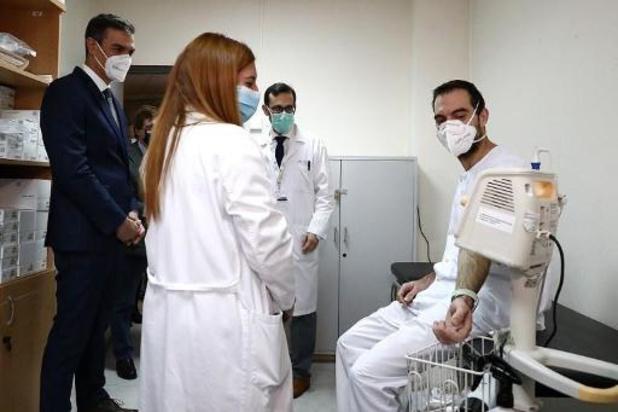 Spanje denkt tegen juni 15 à 20 miljoen mensen te vaccineren