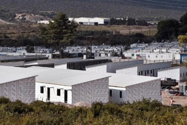 Grèce: un camp de migrants infecté au coronavirus placé en quarantaine