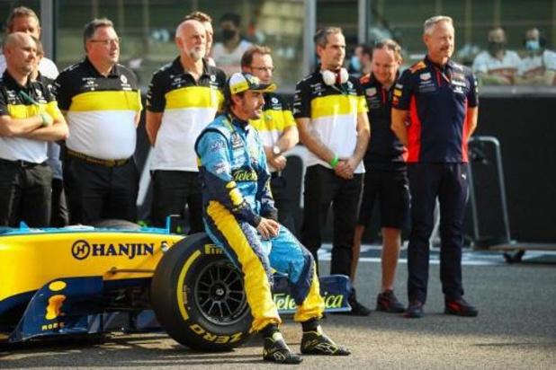 Fernando Alonso in ziekenhuis opgenomen na fietsongeluk