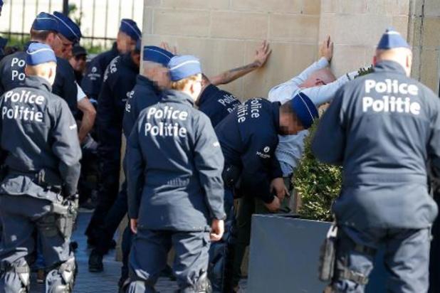 Marche avortée de l'extrême droite à Bruxelles: 51 arrestations administratives