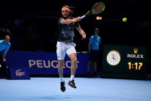 Tsitsipas bat Federer en deux sets et se hisse en finale