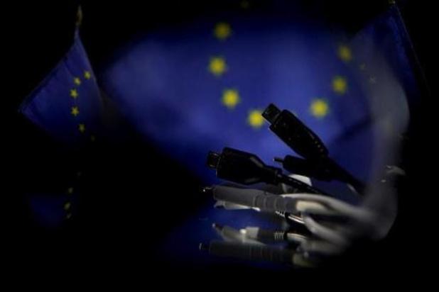 Europese Commissie maakt werk van universele oplader