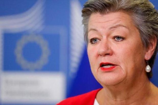 """Europese Commissie """"heel bezorgd"""" over pushbacks aan buitengrenzen"""