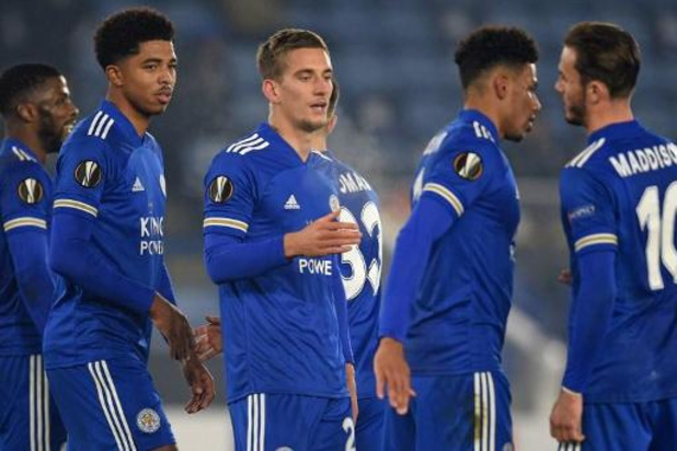 Les Belges à l'étranger - Leicester, avec Praet buteur, poursuit son parcours sans faute
