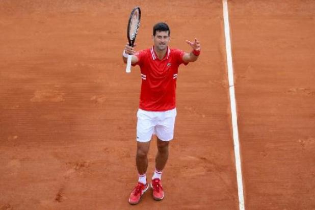 Novak Djokovic écarte Jannik Sinner en deux sets pour son retour à la compétition