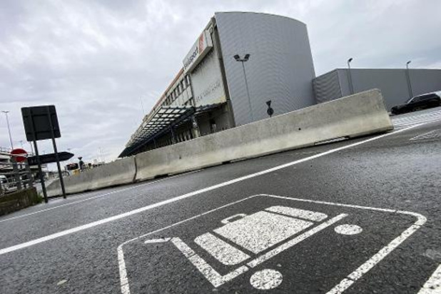 """""""Vriendin terreurverdachte bleef nog 4 jaar op luchthaven werken"""""""