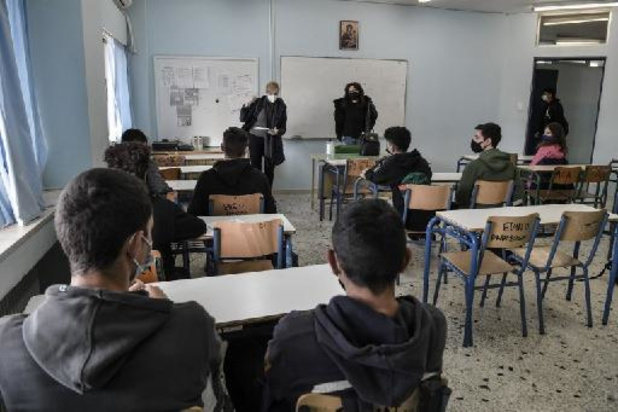 Les lycées rouvrent en Grèce, après cinq mois de fermeture