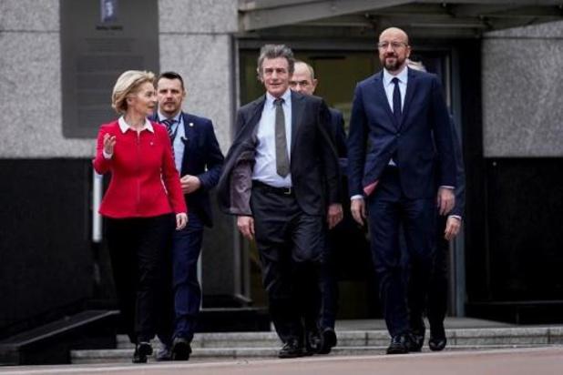 """Von der Leyen convoque les présidents de l'UE en leur réclamant un """"leadership fort"""""""