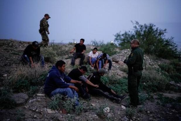 Meer dan 650 migranten aangetroffen in drie koelwagens in Mexico