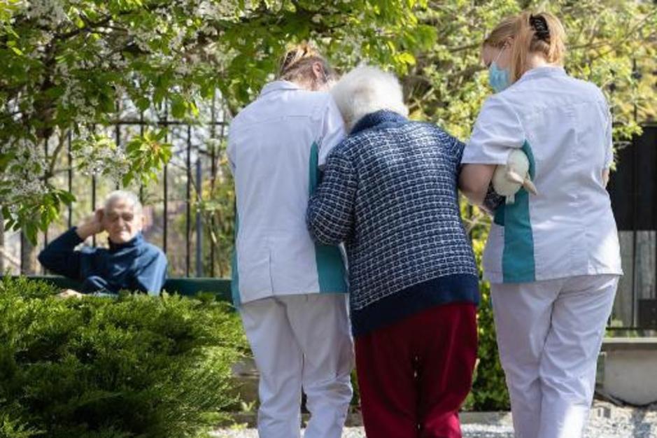 Factcheck: geen bewijs dat woonzorgcentra het aantal coronadoden overdrijven
