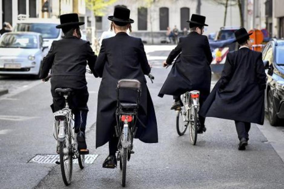 Factcheck: Nee, dit filmpje bewijst niet dat coronamaatregelen niet gelden voor Joodse gemeenschap