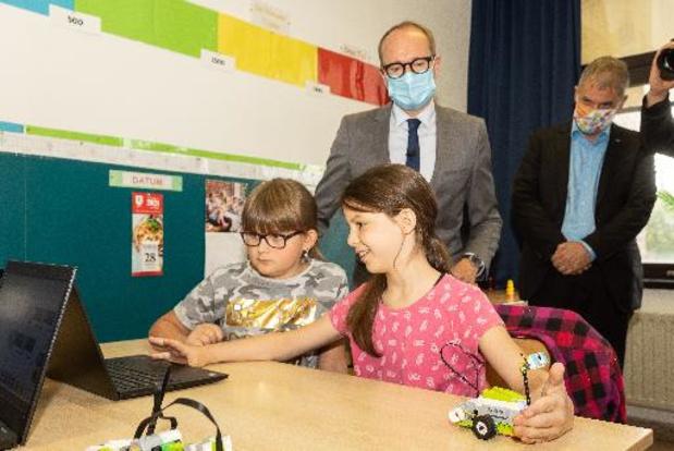 Coronavirus - Weyts vraagt Sciensano om quarantaineregels in onderwijs te herbekijken