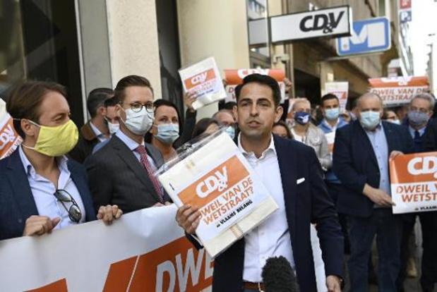 """Le Vlaams Belang au siège du CD&V pour le traiter de """"torchon"""" de la rue de la Loi"""
