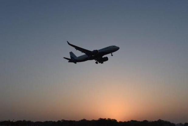 """""""Luchtvaartmaatschappijen verliezen ruim helft passagiersinkomsten"""""""
