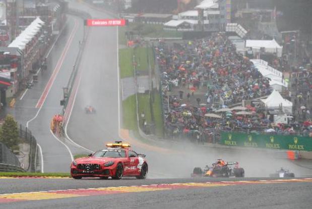 F1 - GP de Belgique - Max Verstappen remporte une parodie de course après 4 tours sous voiture de sécurité