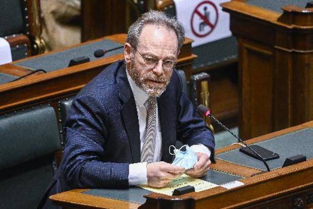 L'absence de ministres lors de débats indispose la Chambre