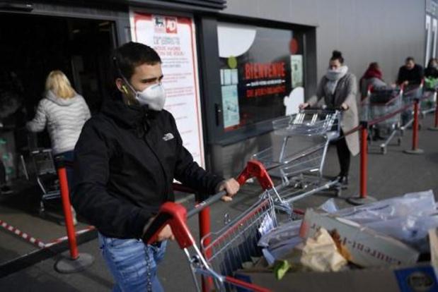 Marc Van Ranst wil mondmaksers verplicht zien in warenhuizen en winkels