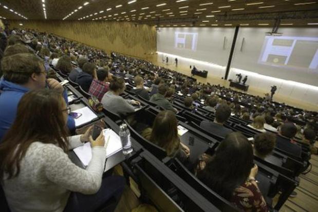 Helft studenten kiest studentenjob in functie van studies