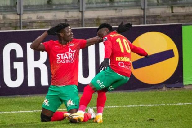 Jupiler Pro League - Oostende komt voorlopig de top 4 binnen na makkelijke zege tegen STVV