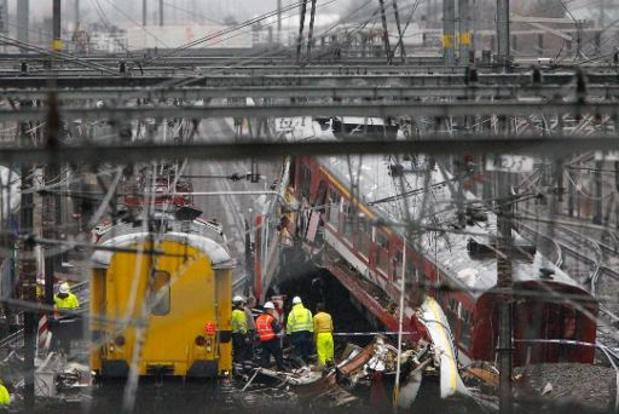 OM houdt treinbestuurder, NMBS en Infrabel verantwoordelijk voor ramp in Buizingen
