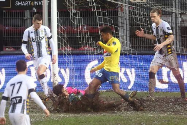 Charleroi knokt zich naar achtste finales Croky Cup