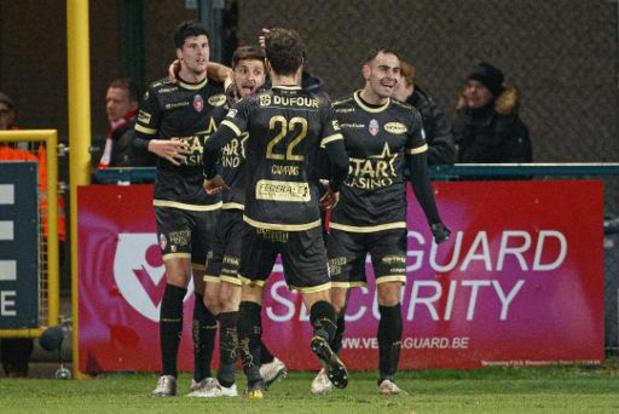 Jupiler Pro League - Moeskroen wint burenduel en duwt Kortrijk nog wat dieper in de put