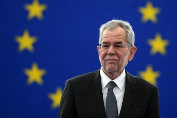 Oostenrijkse president Van der Bellen na val in ziekenhuis opgenomen