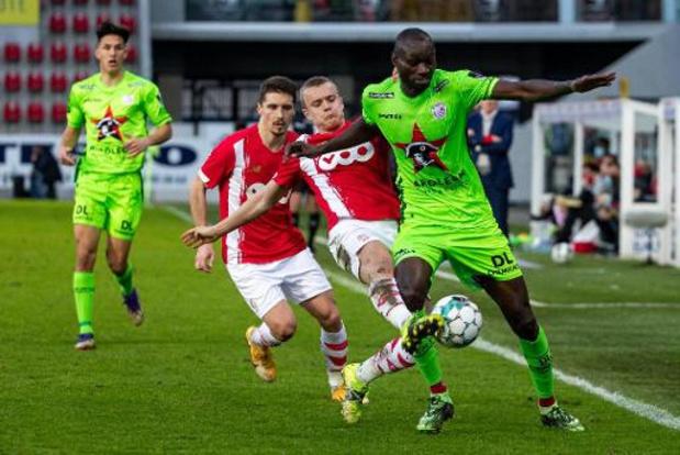 Le Standard s'incline 3-2 à Zulte Waregem et sort du top 8